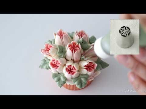 Russian Piping Tips   Flower Cupcakes instructional video - YouTube