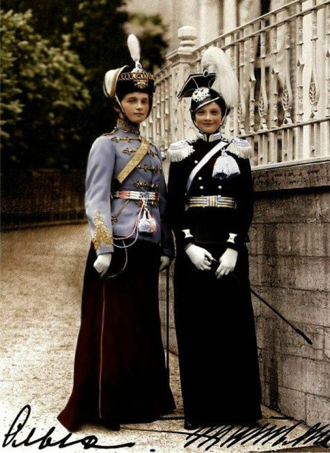 Великие княжны Ольга и Татьяна Романовы, 1913 г.