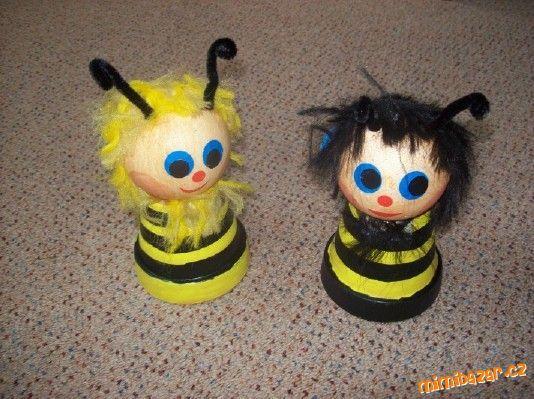 Včelí medvídci.