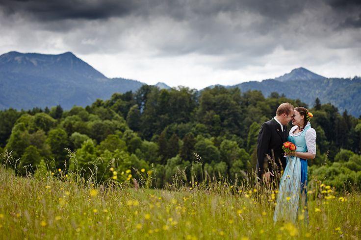 Trauung in Tracht in Gmund am Tegernsee und Hochzeitsfeier auf der Insel Wörth am Schliersee
