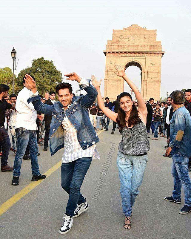 """Varun & Alia dance at the India Gate! @Bollywood ❤❤❤"""