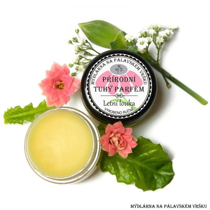 ❀ Cena: 79 CZK + 53 CZK doprava ❀ Tuhý parfém Letní louka nádherně voní jemnou květinově svěží letní vůní, svoji jedinečností vás přesune na rozkvetlou letní louku plnou květů. Esenciální olej bergamot a vanilka.  vavavu