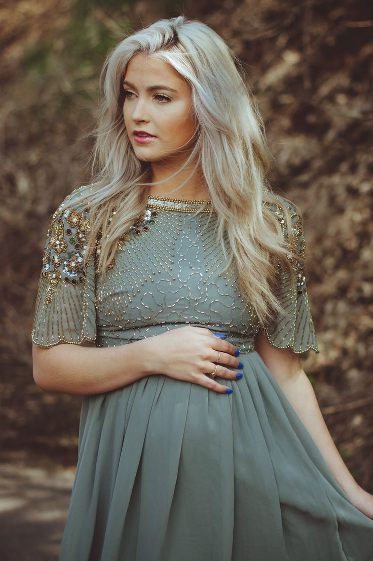 CARA LOREN: Fancy Up The Bump. See also: I want this to be my hair.