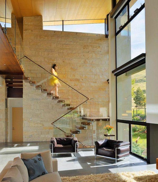 Garde-corps en verre, escalier flottant quart-tournant en bois