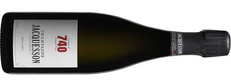 Champagne Jacquesson, Cuvée n° 740 Admirable cuvée encore à l'aube de sa vie, la N°740 est portée sur la dynamique de sa base de 2012. La bouche est diablement vivante et racée, avec une finale aux nobles amers. Disponible en Suisse chez : Zürcher-Gehrig AGwww.the-champagne.ch