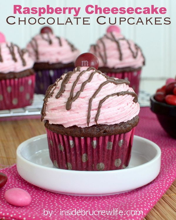 Raspberry Cheesecake Chocolate Cupcakes - chocolate cupcakes with a ...