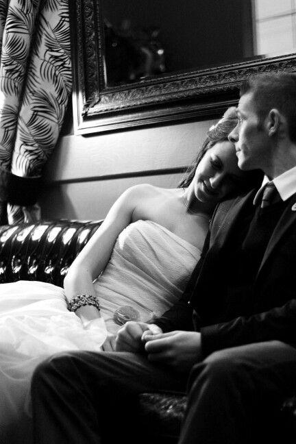 Wedding pose - Romance