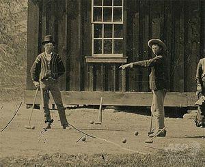 新たに発見されたビリー・ザ・キッド(左)の写真