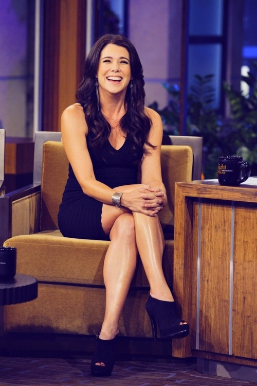 laurengrahammyhero:    Keep calm, and love Lauren Graham.