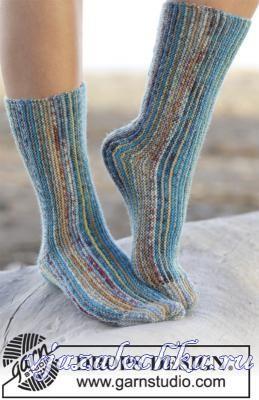 DROPS носки поперечным вязанием. http://vjazalochka.ru/vyazanie-dlya-zhenshchin/noski-tapochki/noski-spicami-poperechnym-vyazaniem