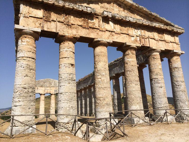 De tempel van Segesta is een nooit afgebouwd Grieks heiligdom in Dorische stijl. (foto Patrick Bamps, juli 2014)