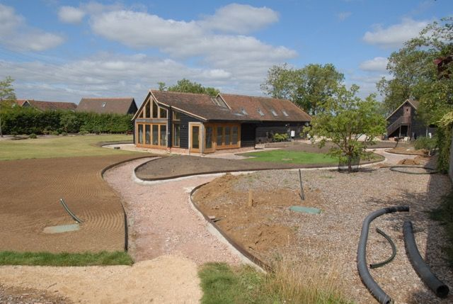 EverEdge ProEdge in action. Steel is a superb material for lawn/path edging. It can be flexed to make curves and is very durable,. #steel #edging #path #garden