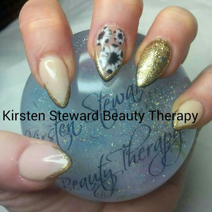 Artistic Colour Gloss Kirsten Steward Beauty Therapy  Prada Candy inspired