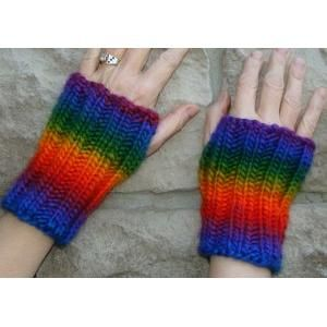 Fingerless Gloves knit in chunky self-striping yarn FREE ...