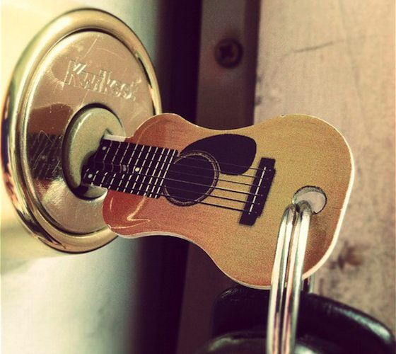 Acoustic Guitar Key / Open up the door to your Rockin' world with this unique acoustic guitar key! http://thegadgetflow.com/portfolio/acoustic-guitar-key-15/ SOOOO COOOOL!