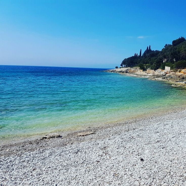 Beaches in Pula click for more