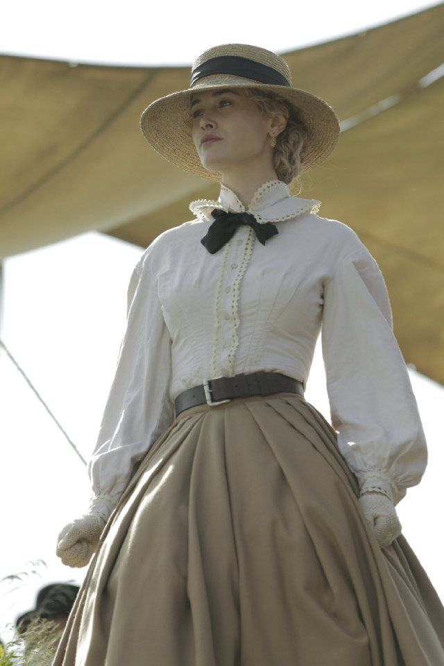 Actress Dominique McElligott, seen here in AMC's Hell on Wheels.  I wish I had a picture of her in Roxana's regency era clothes.