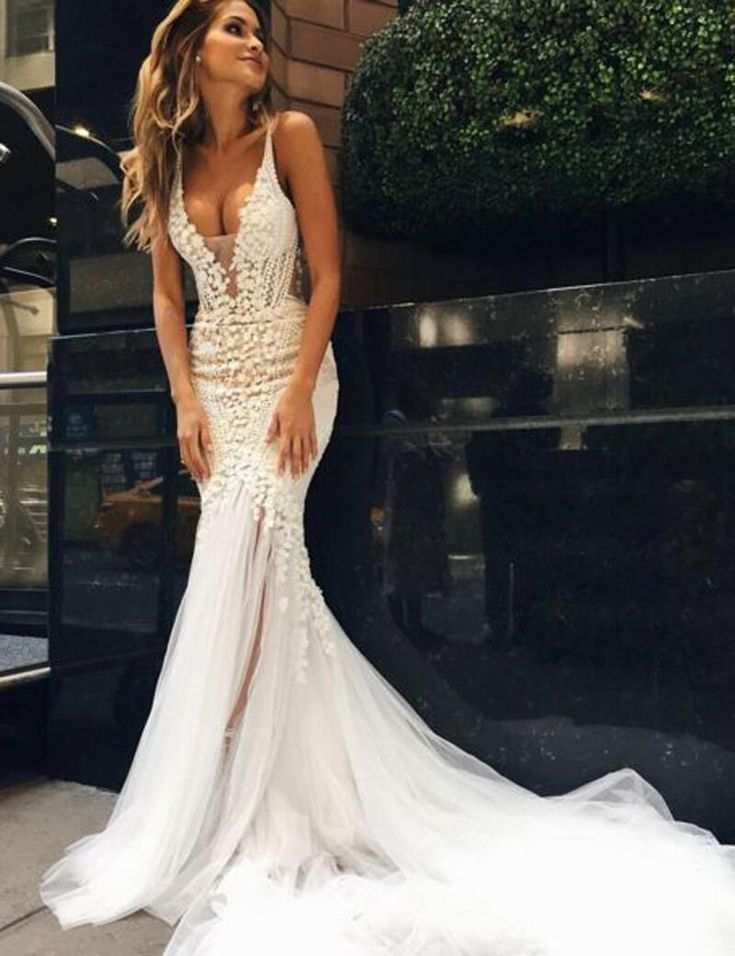 Floral Lace & Tulle V Neck Mermaid Dream Wedding Dress - VQ