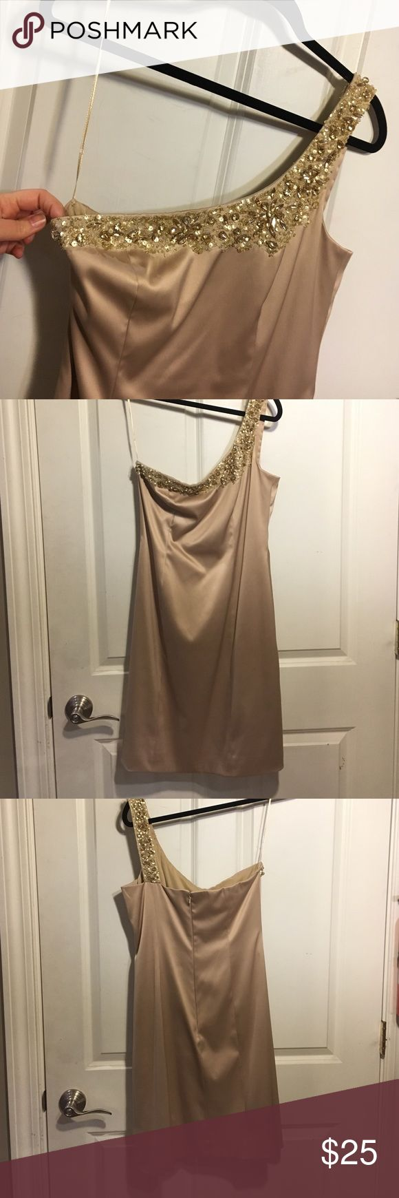JS Boutique gold sequined one strap dress size 8 JS Boutique gold sequined one strap formal dress size 8. Ribbon to put on hanger is almost loose but can easily be fixed. Bundle and save. Smoke-free home. JS Boutique Dresses Wedding