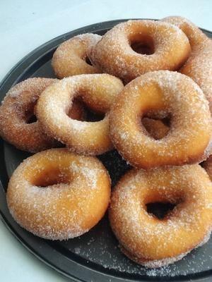 Rosquillas de candil, una receta muy sencilla y con un resultado para repetir muchas veces mas. Un dulce tradicional perfecto para los desayunos y meriendas.