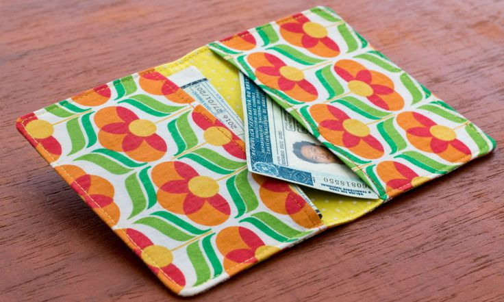 Carteira em tecido, porta-documentos ou os dois? Peça versátil e linda!