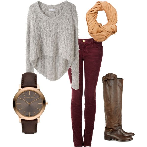 Gray sweater with maroon skinny jeans.