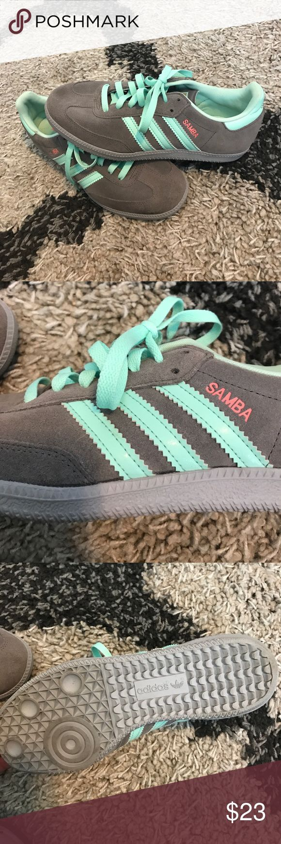 Women's Adidas Samba Shoes (size 7.5) Women's Adidas Samba Shoes (size 7.5)  new condition Adidas Shoes Athletic Shoes