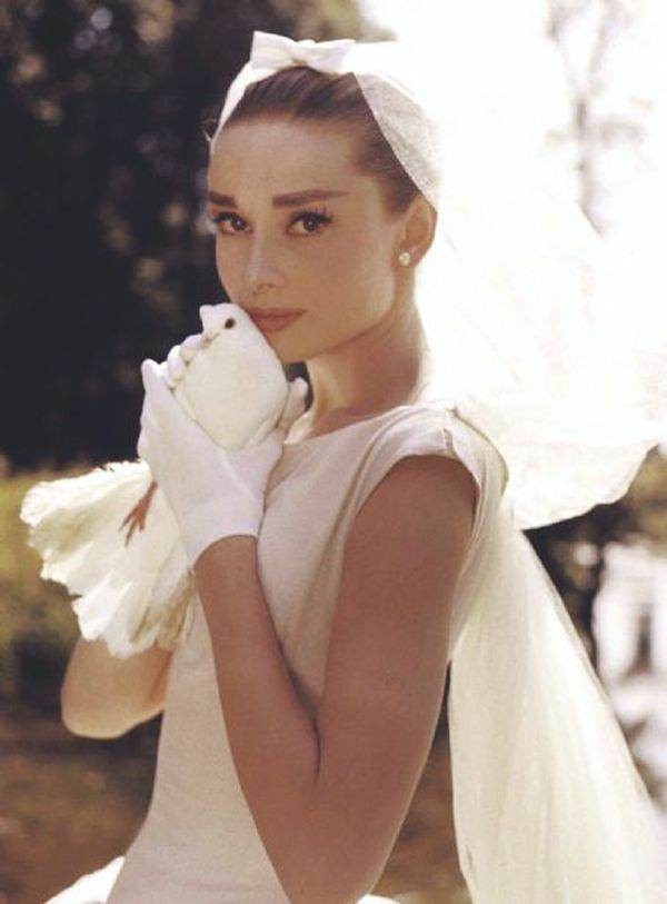 Audrey Hepburn wedding dress veil and gloves