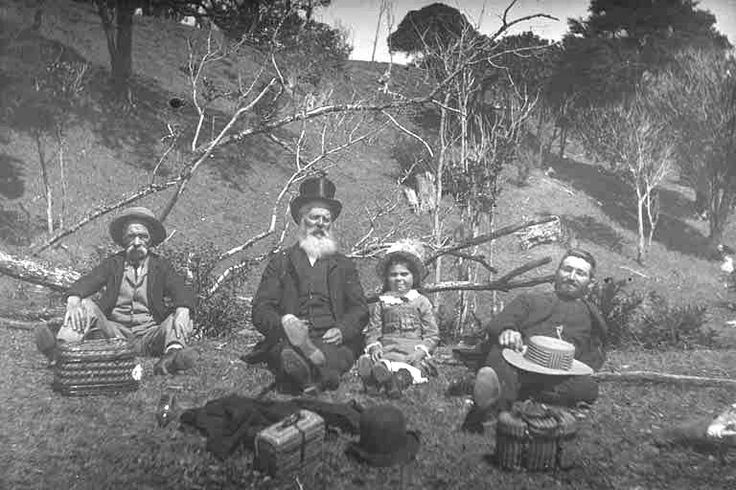 1890's Showing Joseph Binns, Joseph Bradney, Lily Green?, daughter of Nellie Green (nee Binns) and an unknown man with small food hampers picnicking at an unknown location