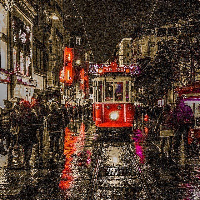 صورة مميزة لـ شارع الاستقلال اجمل شوارع تركيا الهوا للعقارات Places To Visit Landmarks Visiting