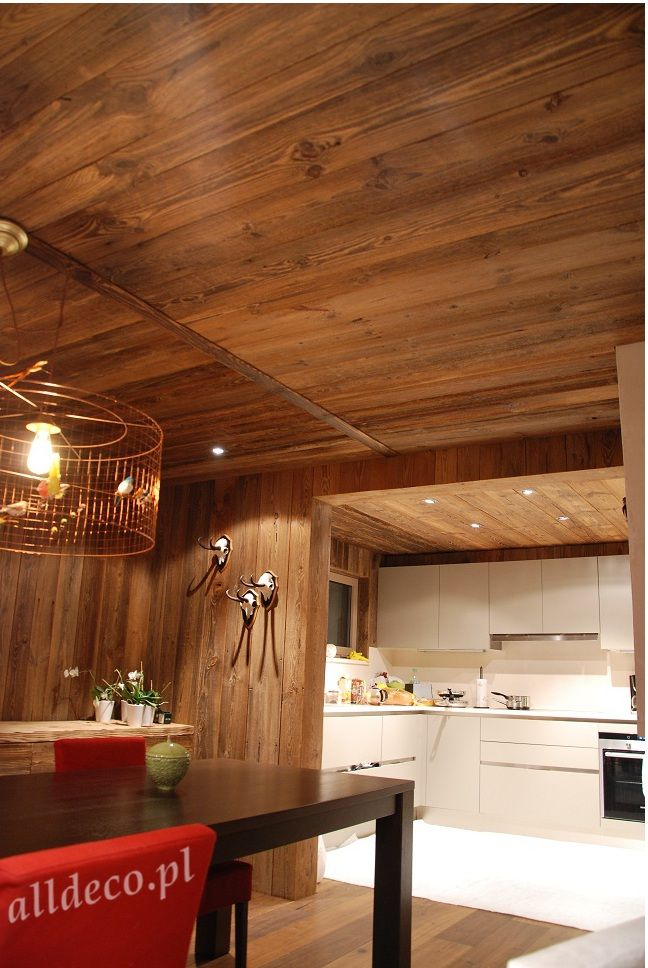 Salon w starym drewnie/ Amenagement du salon en vieux bois