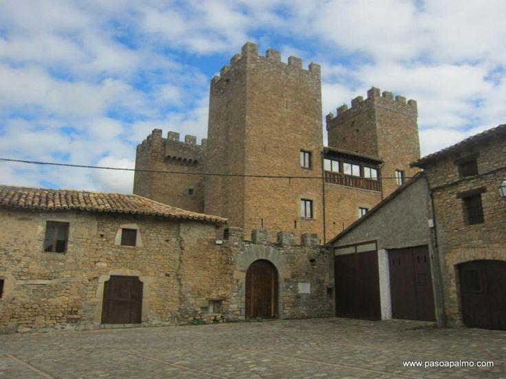 Castillo de Biniés. http://www.pasoapalmo.com/jacetania/canal-de-berdun/binies/castillo-de-binies