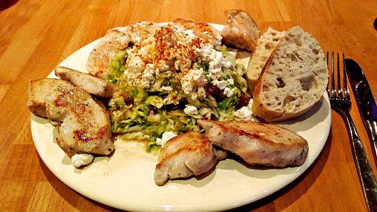 Spitzkohlsalat mit Hähnchenfilet, ein sehr schönes Rezept aus der Kategorie Geflügel. Bewertungen: 30. Durchschnitt: Ø 4,3.