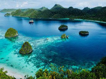A Scenic Tour of Raja Ampat, Indonesia - Condé Nast Traveler