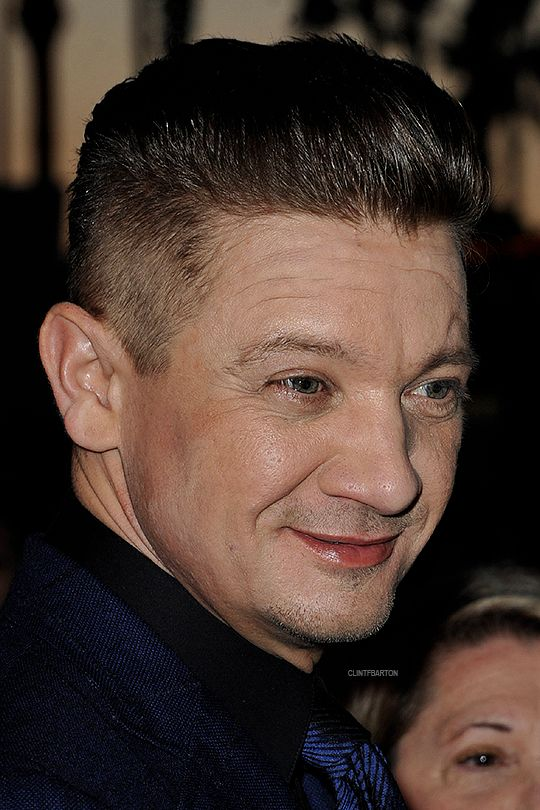 153 best images about Jeremy Renner on Pinterest | The ...