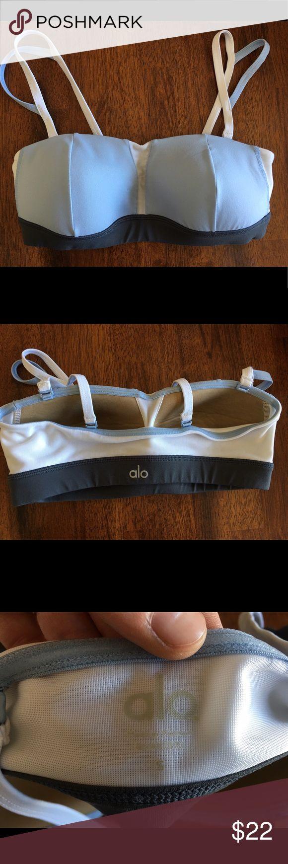 ALO Yoga women's sports bra size s VEUC Excellent condition. Has padding. ALO Yoga Intimates & Sleepwear Bras