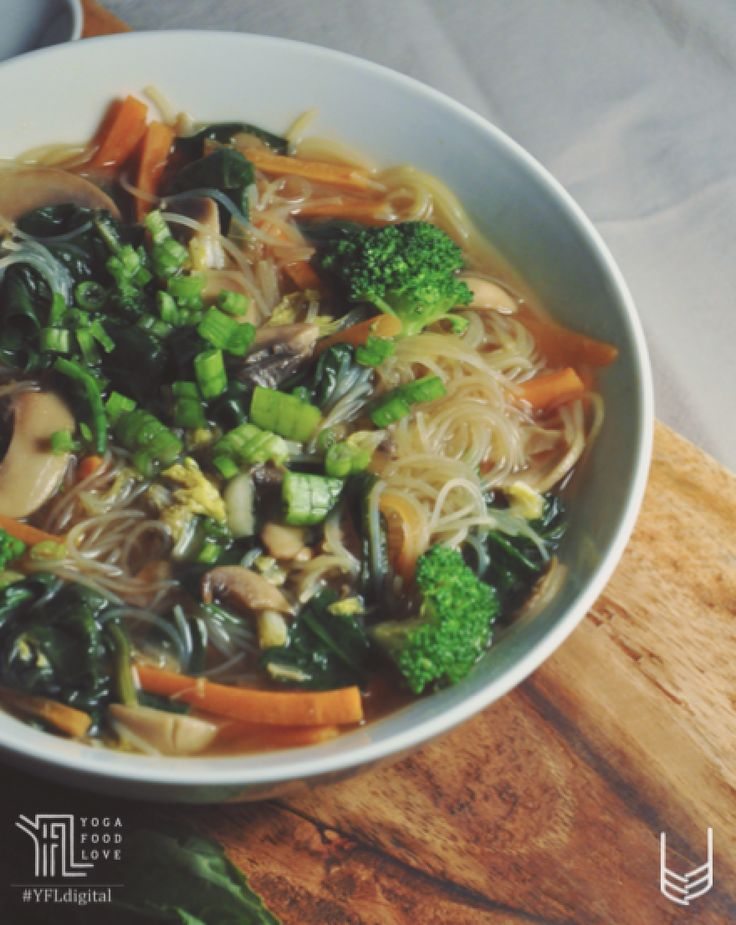 Noodle soup with veggies- A quick refreshing bowl of noddles and vegetables cooked in a spicy ginger broth. Follow TheNamasteKitchen to read more about this healthy bowl of noodle soup and other interesting recipes. #YogaFoodLove #NamasteKitchen #YFLFamily #Foodies #Healthy #HealthComesFirst #SuperFood #LoveFood #Energy #Nutrition #Yoga #Food #Love #YFL