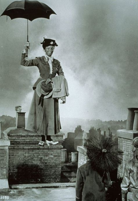 Julie Andrews in Mary Poppins. S)