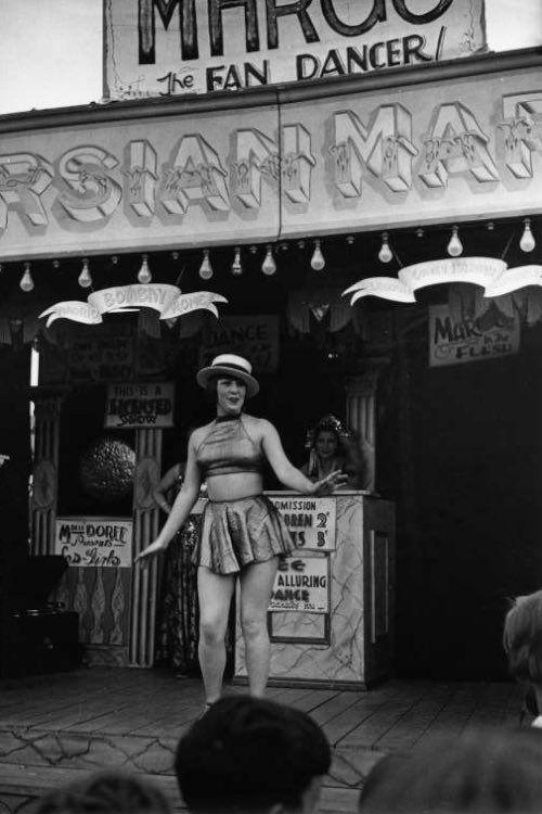 1930s, Fan dancer, Mitcham Fair, London IMAGE: © EDWIN SMITH/RIBA LIBRARY PHOTOGRAPHS COLLECTION