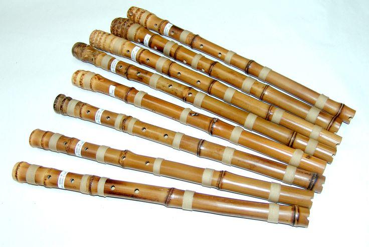 단소 Korean end-blown bamboo flutes - similar to the Japanese Shakuhachi