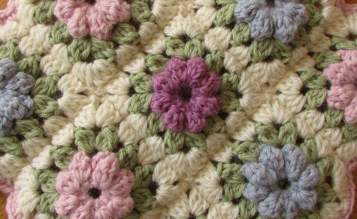 EASY crochet pretty puff stitch flower blanket - flower granny square tutorial * I'm making this...