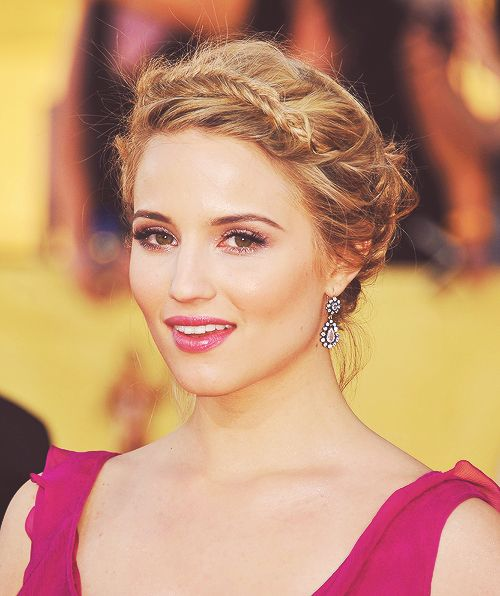 Amazing hair, flawless makeup   Dianna Agron