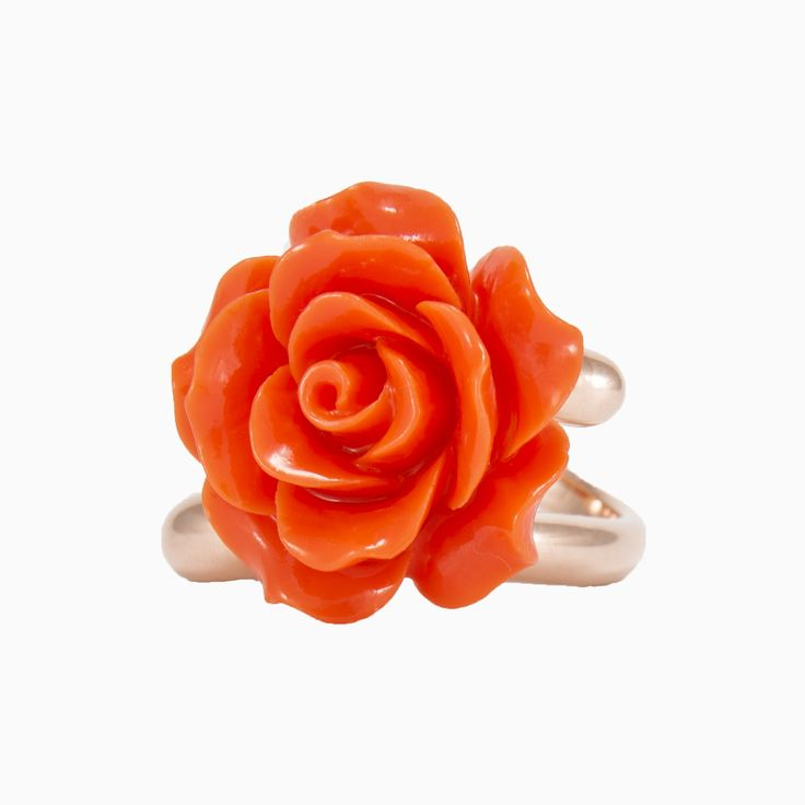 A Garden collection ring in sterling silver plated in rose gold, with a coral rose.
