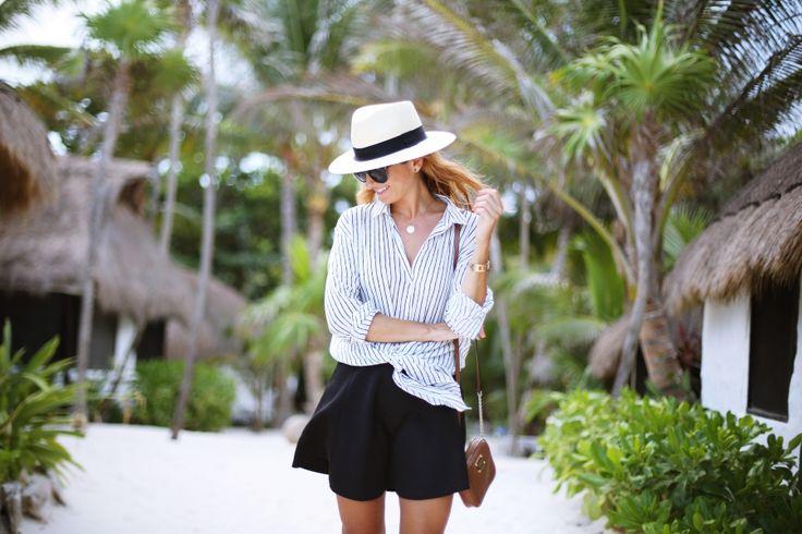 Casual Look. Look con camisa de rayas. A trendy life. #casual #summerlook #strippedblouse #blackskirt #hat #travel #vacaciones #holidays #mexico #details #sheinside #topshop #michaelkors #noevandekamp #scholl #outfit #fashionblogger #atrendylife www.atrendylifestyle.com