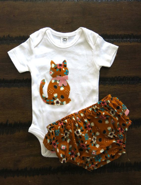 Organic baby clothes / Girls bodysuit  / Organic ruffled bloomers  / Cat appliqué bodysuit / Organic baby bloomers/ Hipster baby girl