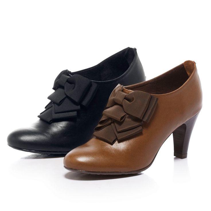 $2340-Fair Lady 百摺蝴蝶結高跟踝靴 黑 - Yahoo!奇摩購物中心(黑缺22.5/23/23.5/25-綠剩22/24)