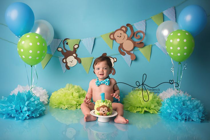 Monkey-themed first birthday. Photo by Elizabeth Frederick Photography.
