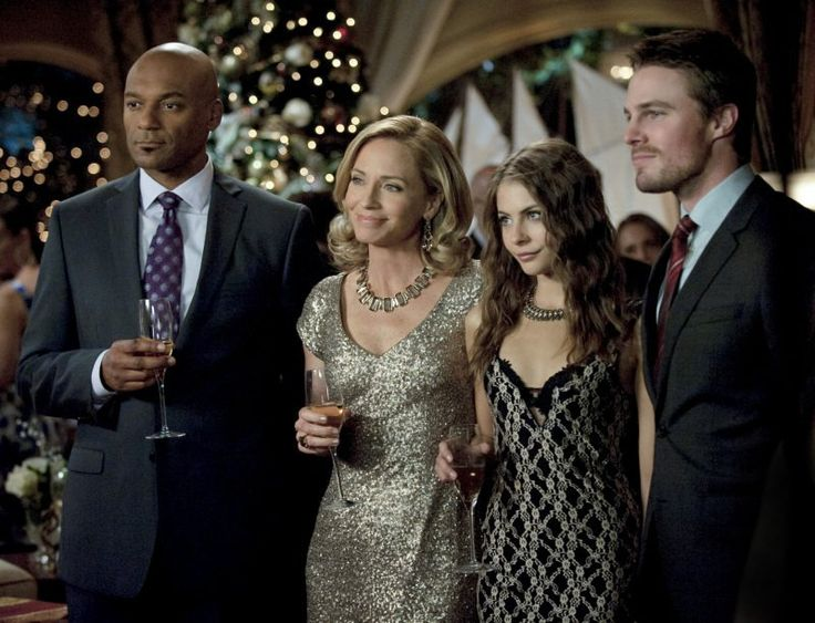 Still of Colin Salmon, Willa Holland, Stephen Amell and Cate Cameron in Arrow