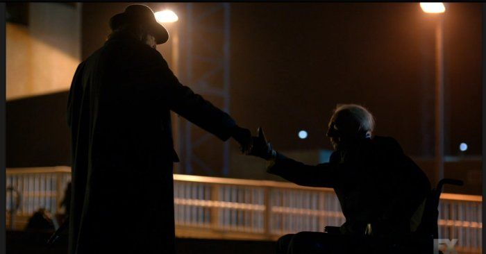 David Bradley and Jonathan Hyde in The Strain (2014)