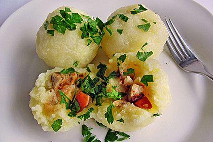 Kartoffelknödel mit Wurstfüllung (Rezept mit Bild) | Chefkoch.de